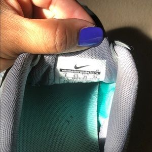 Nike Shoes - Nike flex 2016 run